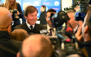 Wayne Gretzky speaks with media Wednesday. Photo by: Andy Devlin / Edmonton Oilers